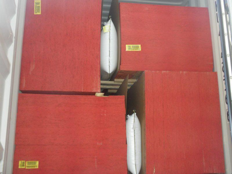 затарка пиломатериалов в контейнеры